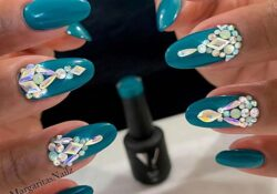 21 Teal Nail Designs We Can't Wait to Try