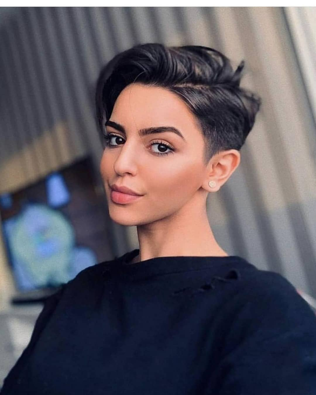 Simple Pixie Haircuts with Straight Hair - Very Short Hairstyle Ideas for Women
