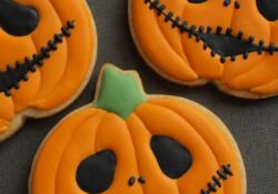 25 Easy Halloween Cookies For Kids That Taste Amazing