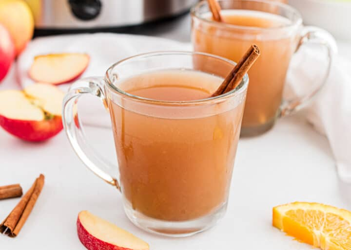 glass cup with apple cider