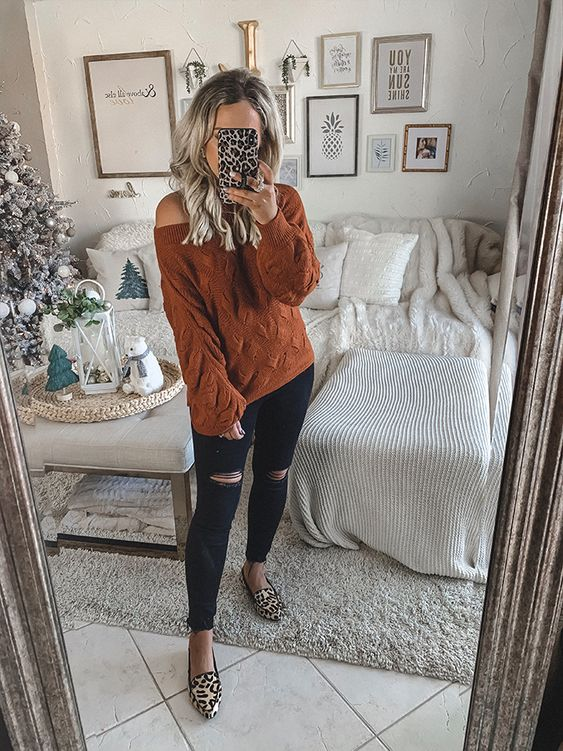 Rust brown sweater outfit - cute Thanksgiving outfits