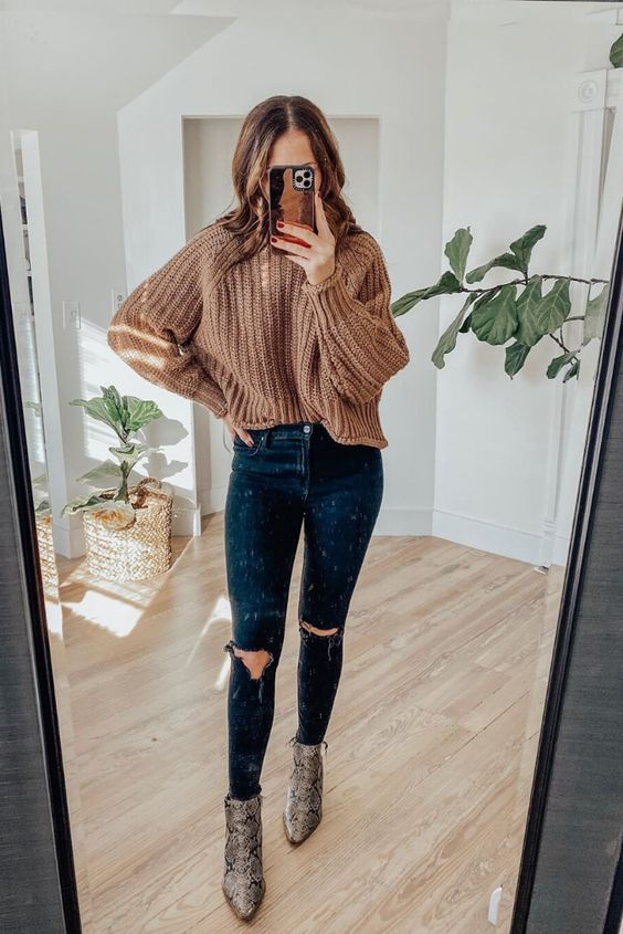 Casual sweater outfits for Thanksgiving