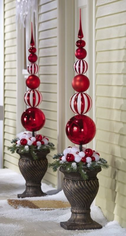 Red and white Christmas topiary for outdoors