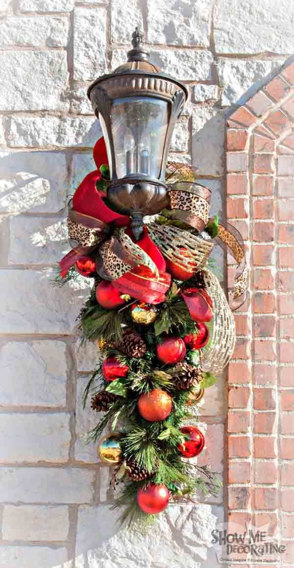 DIY Christmas Lantern Wreath DecorWith Red And Gold Baubles