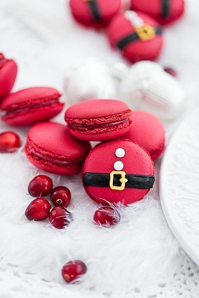 Best Christmas desserts: Christmas Cranberry Macarons