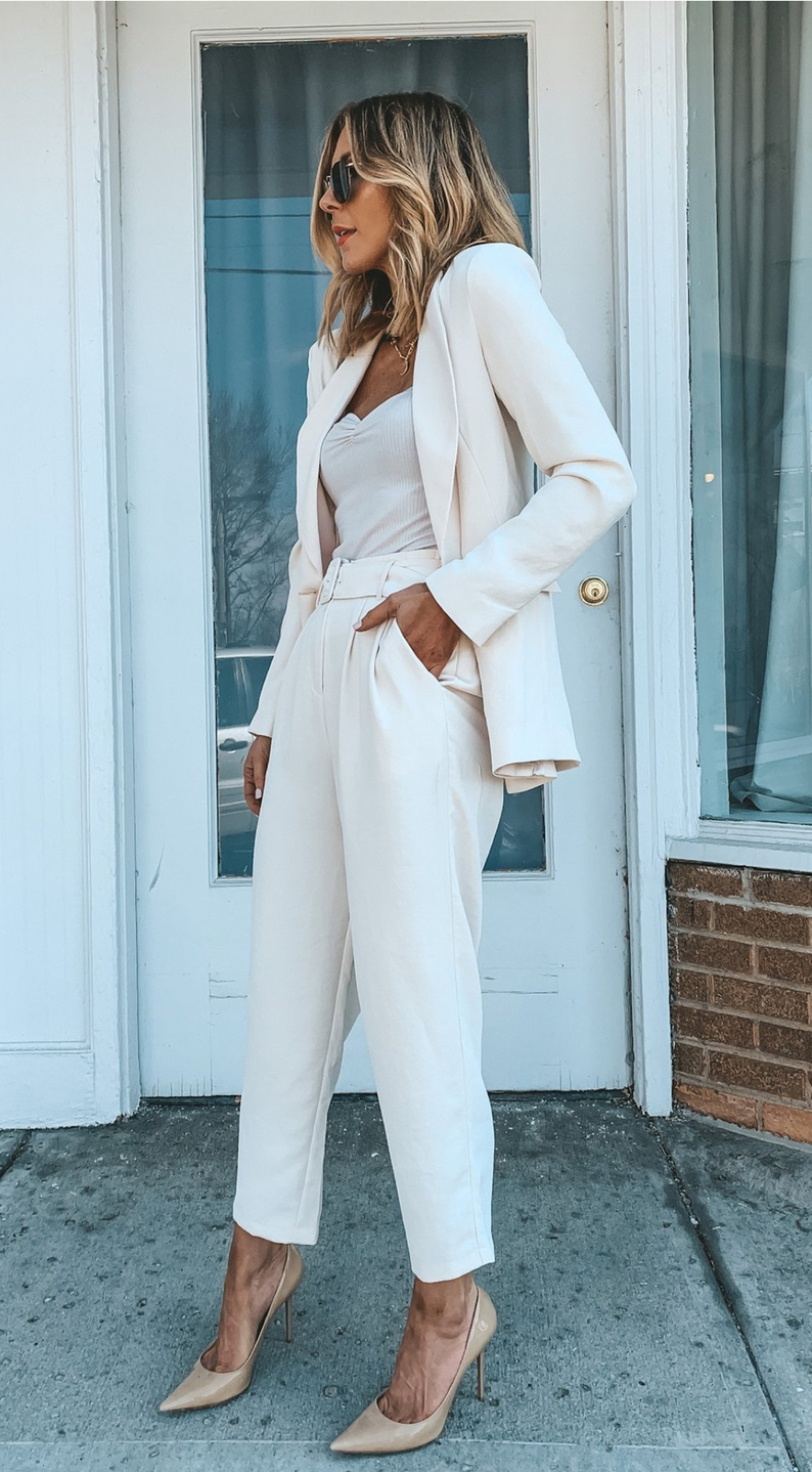 Chic business casual outfits - white blazer outfits with white pants