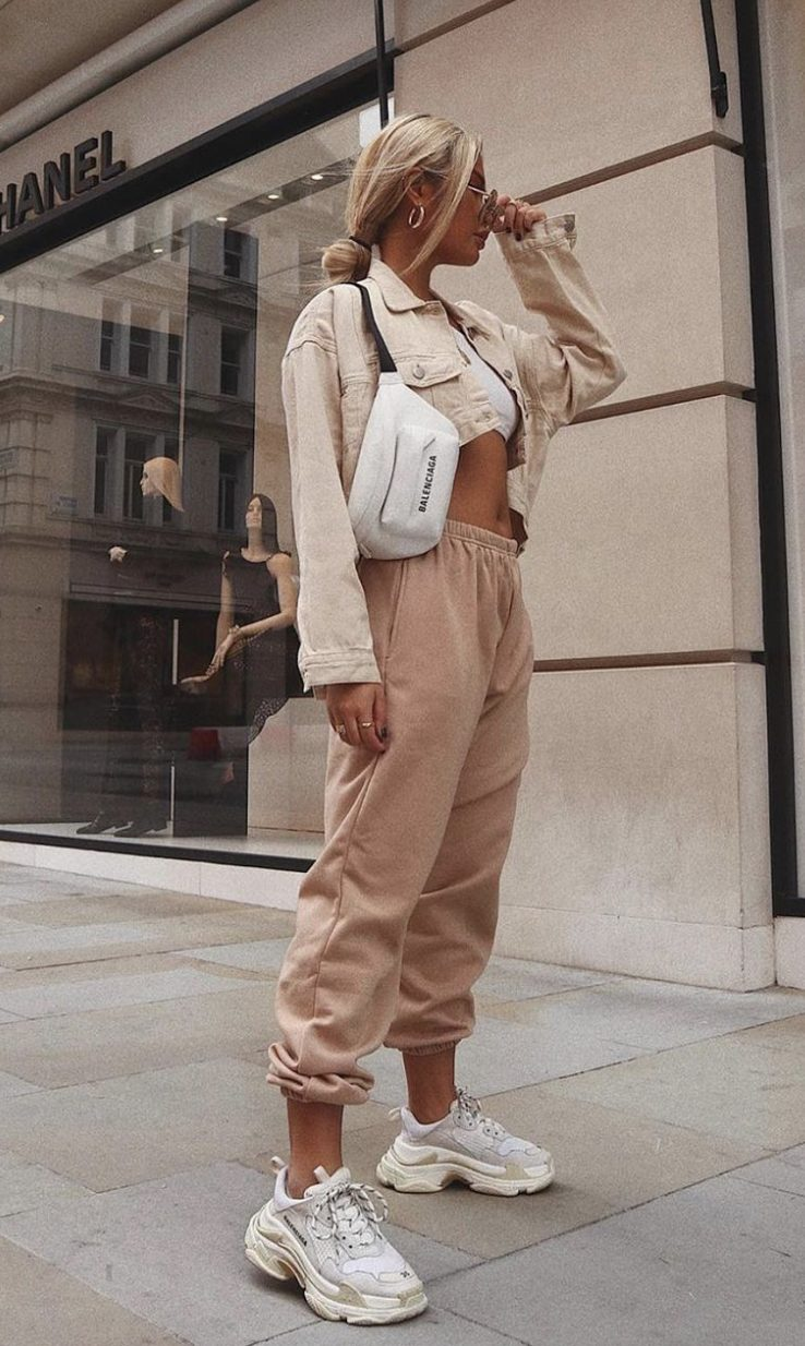 Dulce beige outfits con joggers