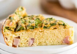 Receta SIMPLE de quiche sin corteza - I Heart Naptime